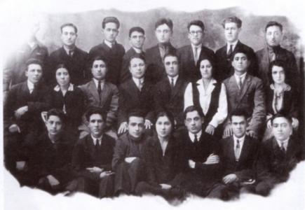Bekir_Chobanzade_and_students