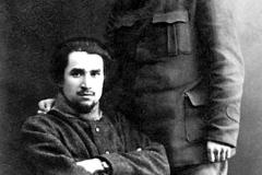 M.Sultan-Galiev(sits)_I.Phirdevs