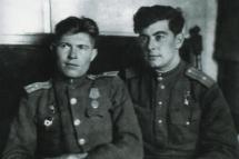 Абдуль Тейфук (справа) и Тантана Ниязи. Весна 1945. Германия.