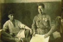 Абдуль Тейфук в госпитале. 1944 г. Рядом - капитан Афанасьев.
